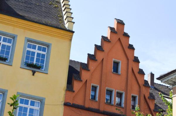 Gekleurde gevels in Meersburg - Foto: Sanne Eva Dijkstra